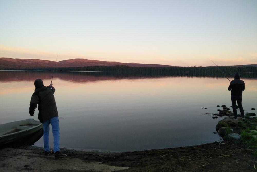 Endlich mal wieder Sonne in Finnland und ein Schlafplatz am Roten See - CO2mpensio